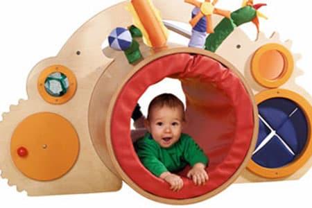 دليلك لاختيار اللعبة المناسبة لطفلك ChildToys29.jpg