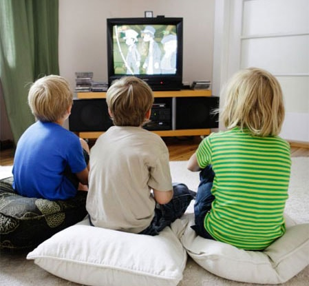 child effects essay tv violence watching Task 2 ielts sample writing:  of computer or tv screens limit's a child time for  is many violence on tv jung children are watching full of violence and.